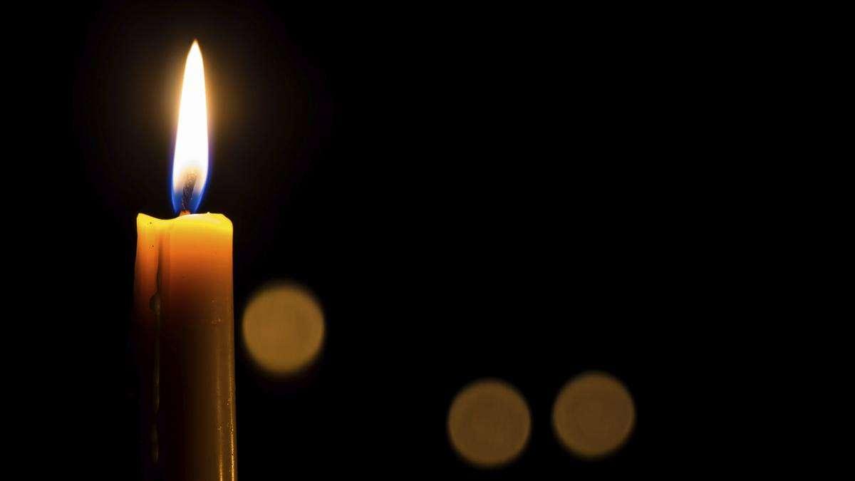 Sonte në këtë orë ndizen qirinj për t'i nderuar mjekët që vdiqën nga  COVID-19 - Sinjali