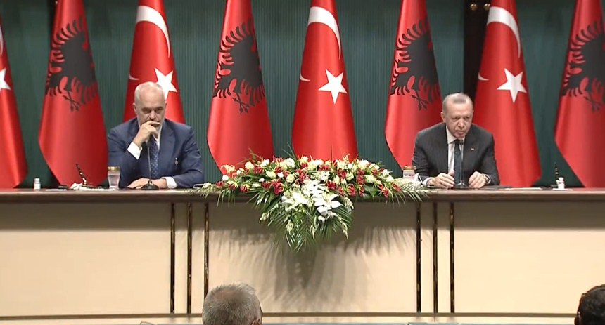 Erdogani premton spital në Fier deri më 7 prill/ Rama: Inshallah po e mban premtimin